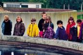des enfants visitent une station d'épuration