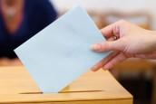 bulletin de vote dans une urne